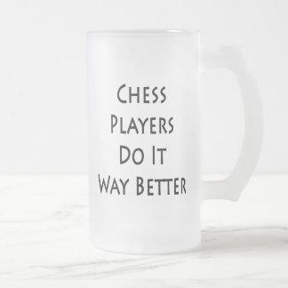 Los jugadores de ajedrez lo hacen manera mejor taza cristal mate
