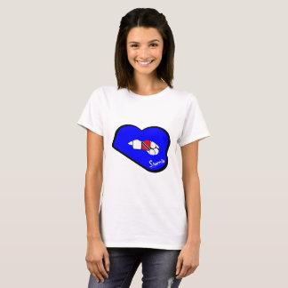 Los labios Trinidad de Sharnia y labios del azul Camiseta