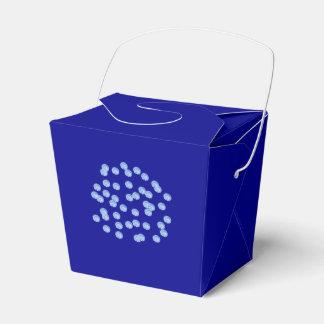 Los lunares azules sacan la caja del favor