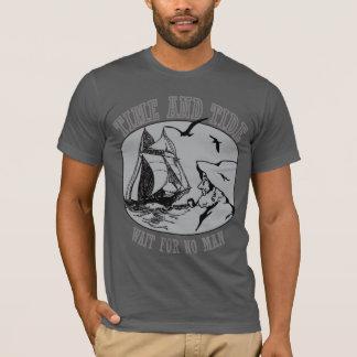 Los marineros miden el tiempo y la camisa para