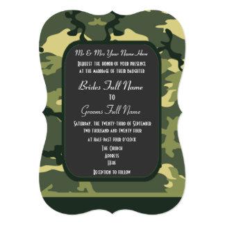 Los militares verdes camuflan el boda invitación 12,7 x 17,8 cm