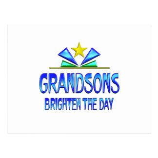 Los nietos aclaran el día postal