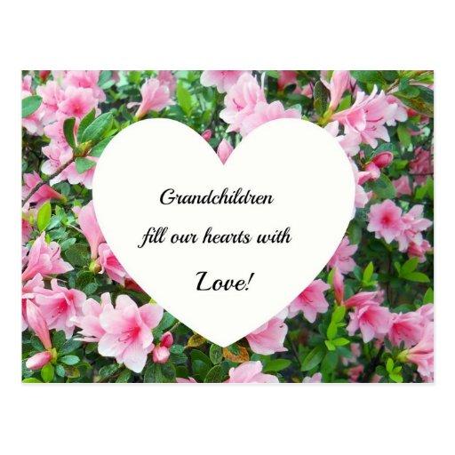 Los nietos llenan nuestros corazones de amor tarjeta postal