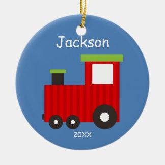 Los niños personalizaron el ornamento del tren del