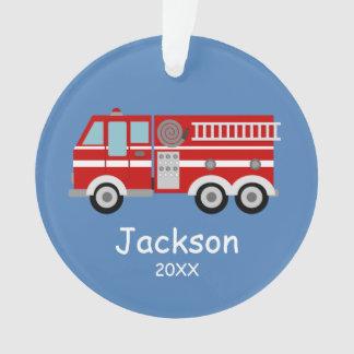 Los niños rojos del coche de bomberos adorno