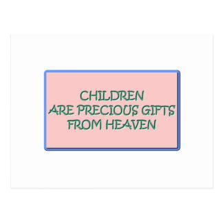 Los niños son regalos preciosos del cielo postal