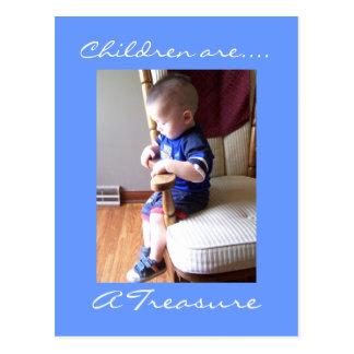 Los niños son…., un tesoro postal
