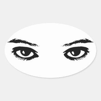 Los ojos lo tienen calcomanía oval personalizadas