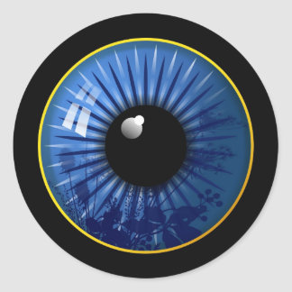 Los ojos lo tienen pegatina redonda