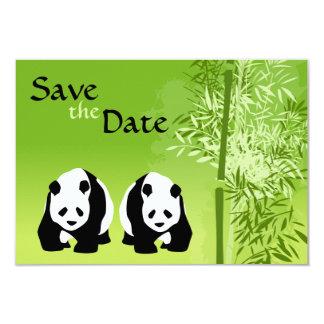 Los osos de panda y el boda de bambú ahorran la invitación 8,9 x 12,7 cm