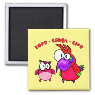 Los pájaros del dibujo animado del vector con risa imanes
