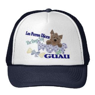 """Los perros dicen """"tejido"""" (el azul) gorras"""