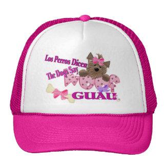 """Los perros dicen """"tejido"""" (el rosa) gorras"""