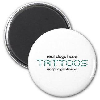 Los perros reales tienen tatuajes imán redondo 5 cm