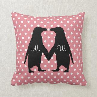 Los pingüinos lindos en amor - añada sus propias cojín decorativo