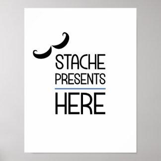 Los presentes de Stache aquí van de fiesta el Póster