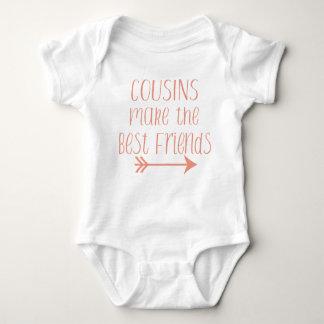 Los primos hacen los mejores amigos el juego del body para bebé