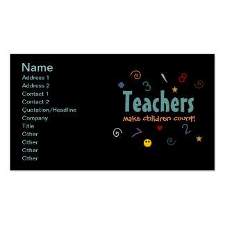 Los profesores hacen los niños tarjetas de visita