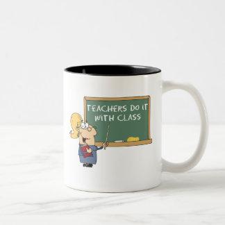 los profesores lo hacen con la clase taza de café