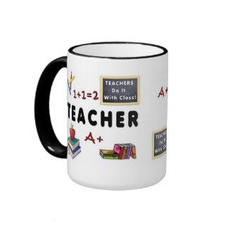 Los profesores lo hacen con la clase taza a dos colores