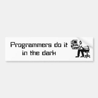 Los programadores hacen itin la oscuridad pegatina para coche