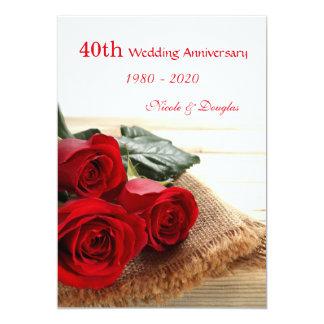 Los rosas rojos en aniversario de boda de madera invitación 12,7 x 17,8 cm