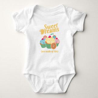 Los sueños dulces se hacen… de magdalenas y de body para bebé