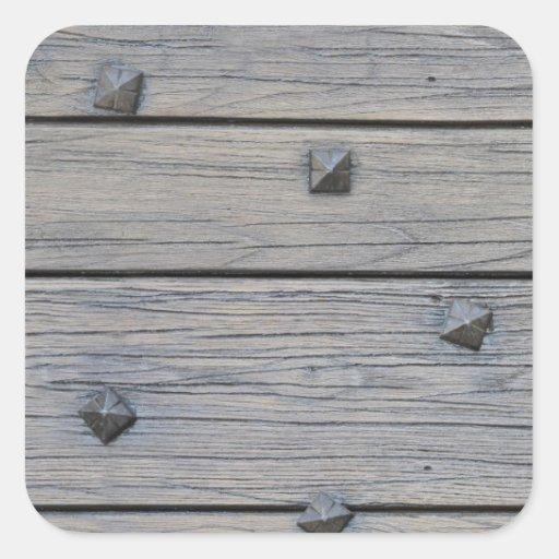 Los tablones de madera con los clavos cuadrados pegatina - Tablones de madera baratos ...