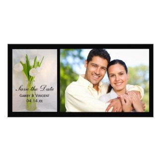 Los tulipanes blancos en el boda de la botella tarjeta