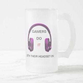 Los videojugadores lo hacen. ¡Con sus auriculares Taza De Cristal