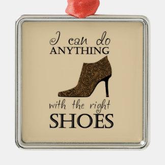 Los zapatos de la derecha ornato