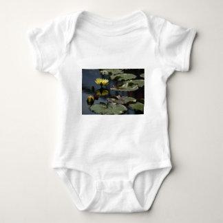 Lotus amarillo Waterlilies Body Para Bebé