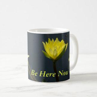 Lotus amarillo Waterlilies Taza De Café