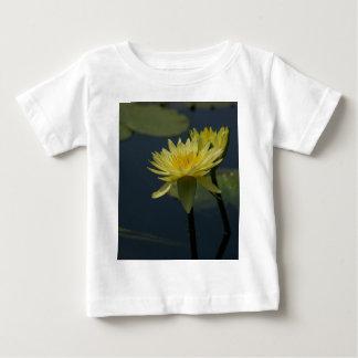 Lotus amarillo Waterlily Camiseta De Bebé