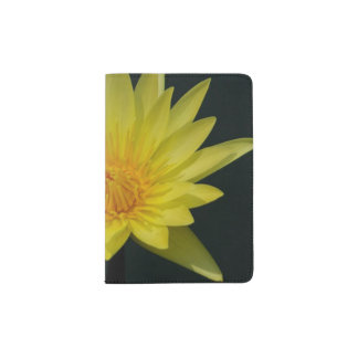Lotus amarillo Waterlily Portapasaportes