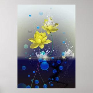 Lotus de oro en agua póster