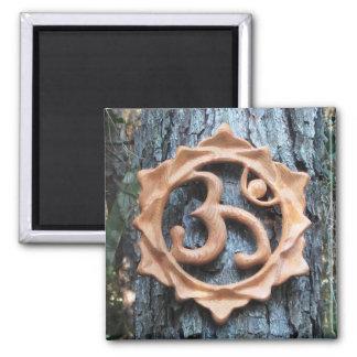 Lotus OM en el bosque - imán cuadrado