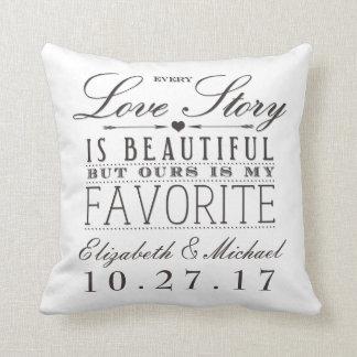 Love Story hermoso que casa la luz de la almohada