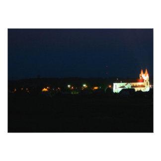 Luces de la iglesia de la ciudad invitaciones personales