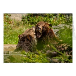 Lucha del juego de los osos grizzly tarjeta de felicitación