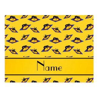 Luchadores amarillos conocidos personalizados en postal