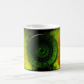 Luminosidad verde que brilla intensamente taza de