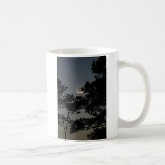 Luna de la claridad terrestre taza de café