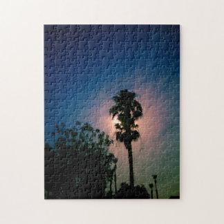 Luna en las palmas puzzle
