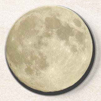 Luna redonda llena en fondo negro posavasos de arenisca