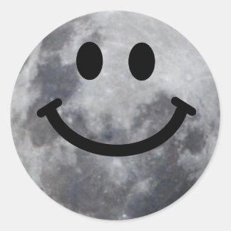 Luna sonriente pegatinas redondas