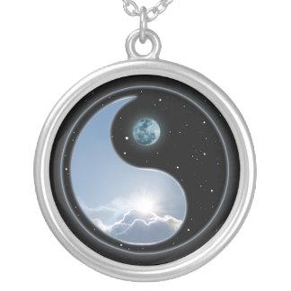 Luna Sun de Yin Yang Collar Plateado