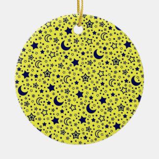 Luna y ornamento de las estrellas adorno navideño redondo de cerámica
