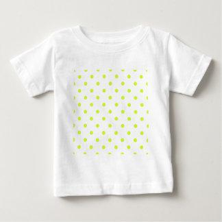 Lunares - amarillo fluorescente en blanco camisetas