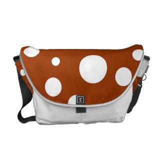 Lunares blancos en marrón bolsas de mensajeria